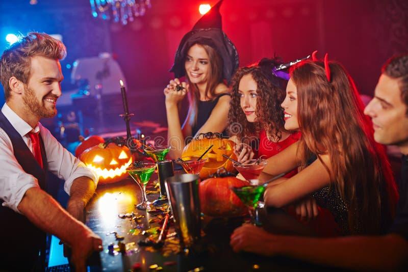 Ir de discotecas en Halloween fotos de archivo libres de regalías