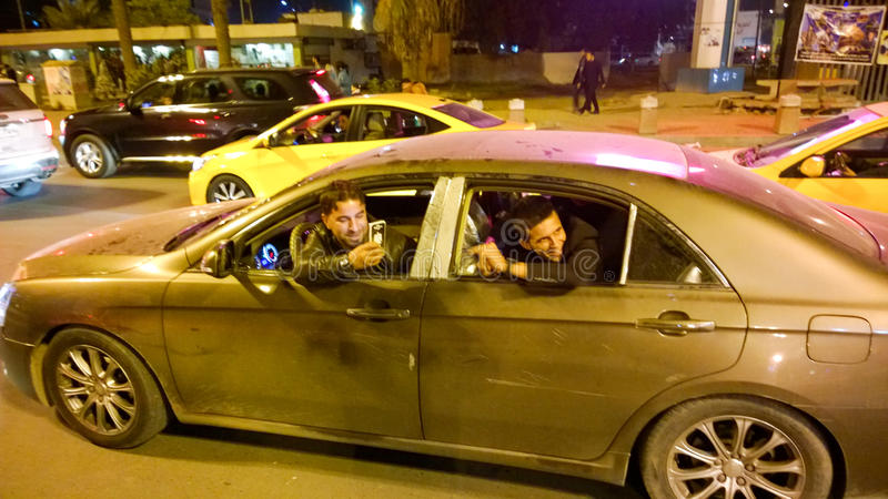 Irakijscy przygotowania świętować walentynka dzień obraz stock