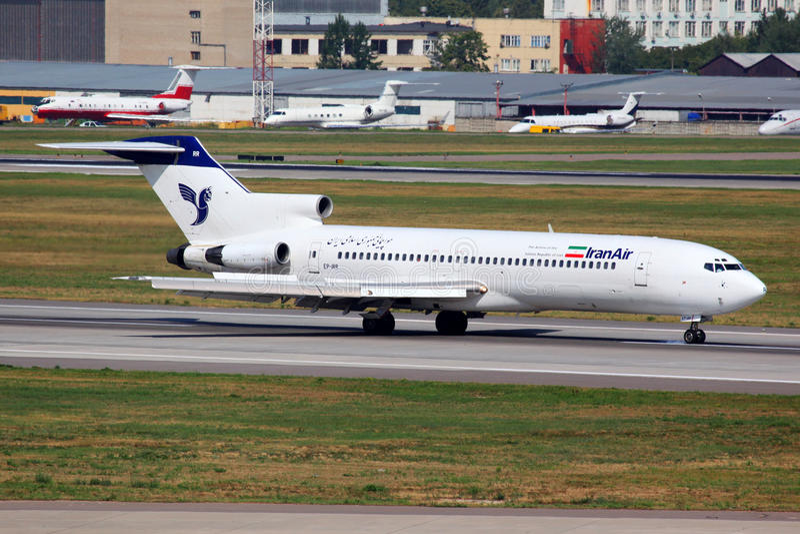 Iran Air Boeing 727 EP-IRR die in internationaal Sheremetyevo landen stock afbeeldingen