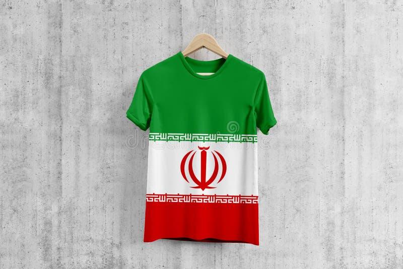 Iran zaznacza koszulkę na wieszaku, irańczyk drużyny munduru projekta pomysł dla szaty produkcji Krajowa odzież obraz stock