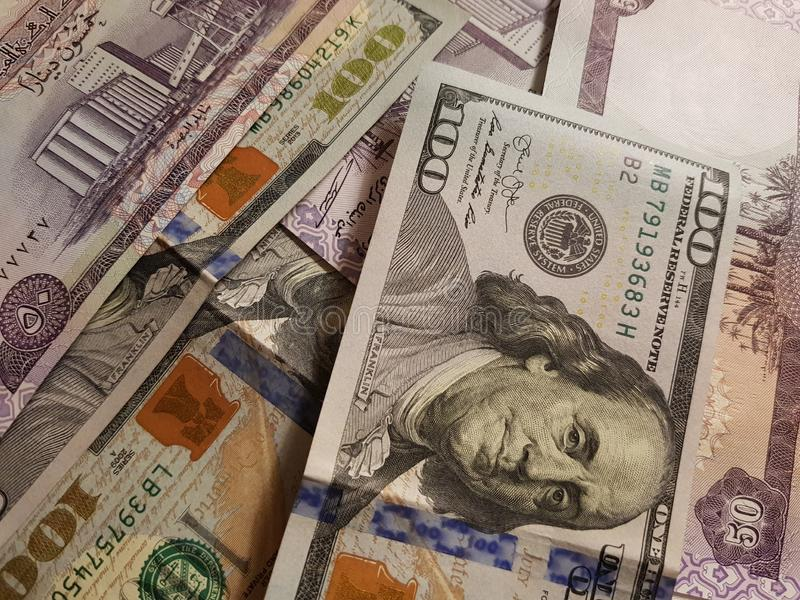 Iraq and the United States Join in the trade and economy, banknotes Use it as a Forex or Financial.  royalty free stock photo