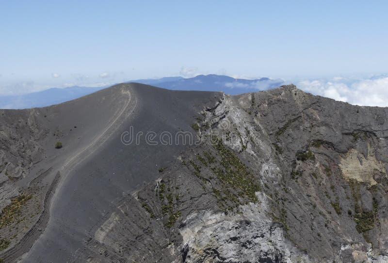 Irazu vulkan, kant av den huvudsakliga krater, Costa Rica royaltyfria bilder