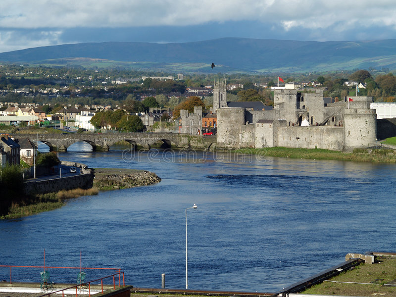 Download Ireland,limerick stock photo. Image of historic, bridge - 1410672