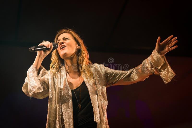 Irene Grandi und Pastis Live an Felsen sul Serio (BG) 23-07-2017 lizenzfreie stockfotos