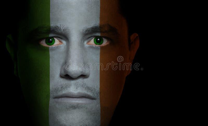Irische Markierungsfahne - männliches Gesicht lizenzfreie stockbilder