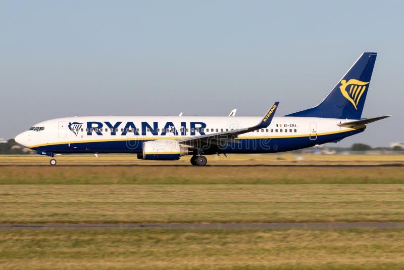 Irish Ryanair Boeing 737-800 royalty free stock images