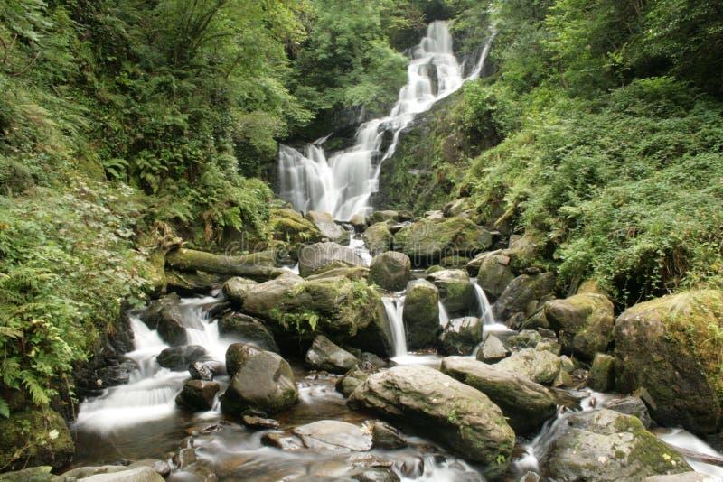 irländsk vattenfall arkivfoto