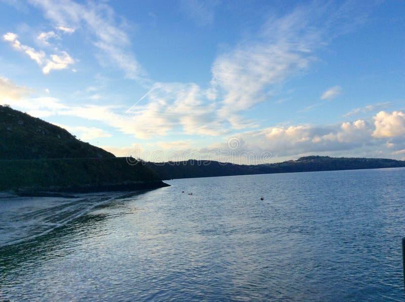 Irlands Landschaft und Seen stockfotos