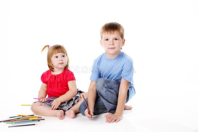Download Irmão e a irmã foto de stock. Imagem de alegria, aprendizagem - 16868120