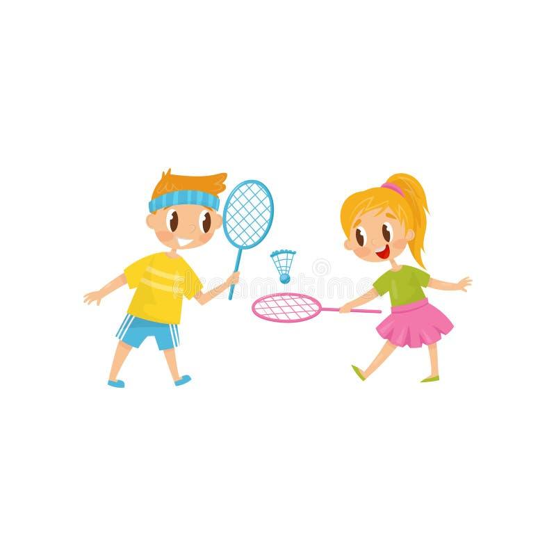 Irmão e irmã que jogam o badminton Dois amigos alegres Rapaz pequeno e menina que têm o divertimento junto Atividade ao ar livre ilustração do vetor