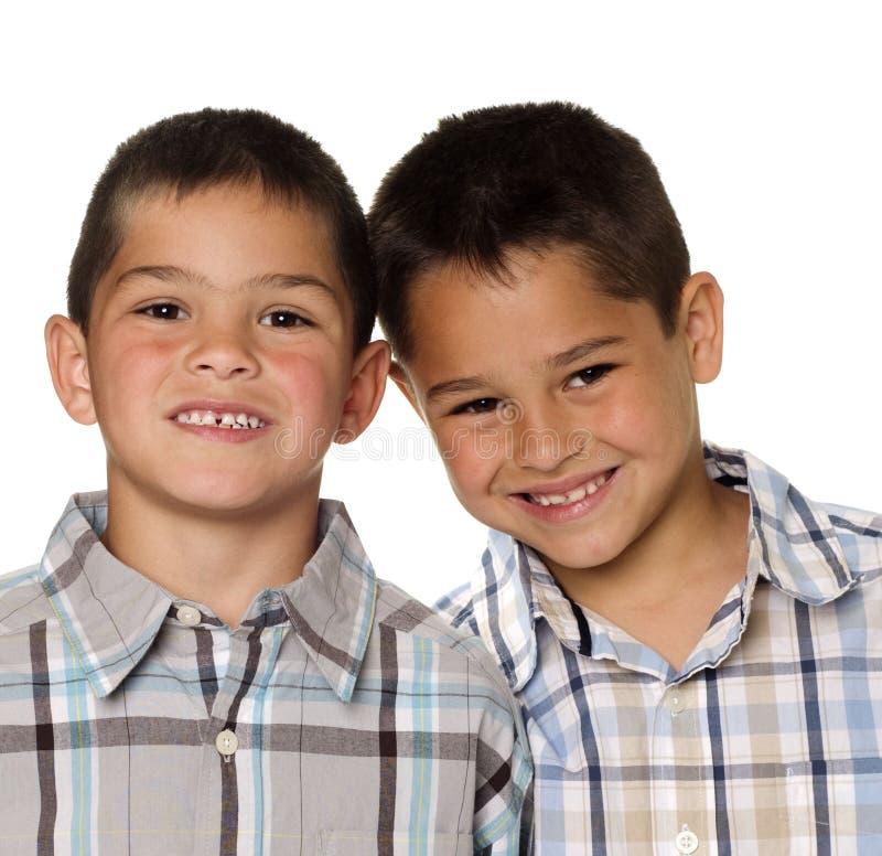 Irmãos felizes foto de stock