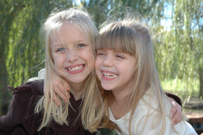 Irmãs felizes fotos de stock royalty free