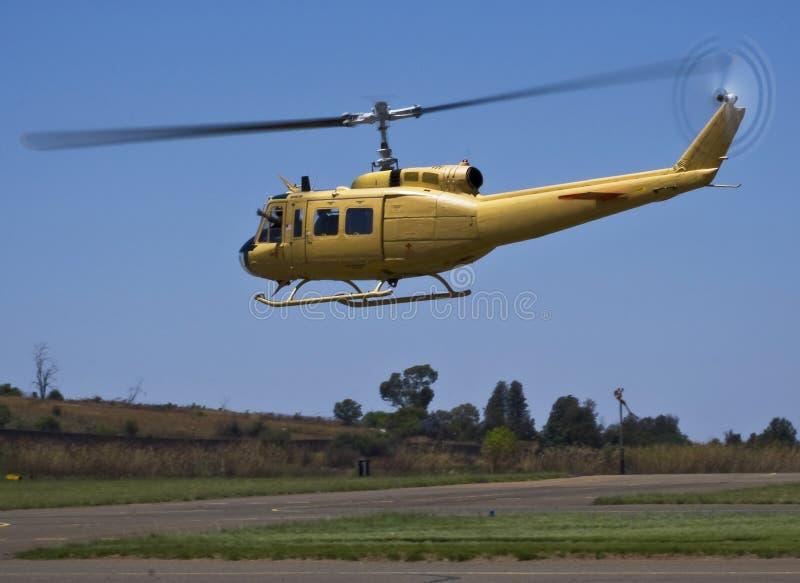 Irokese Bell-UH-1D-BF - Bell 205 lizenzfreie stockfotografie