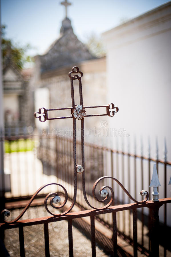 Free Iron Cross In New Orleans Cemetery Stock Photography - 36564162