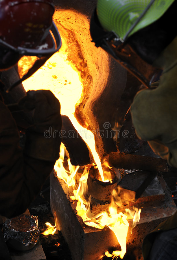 Download Iron Pour - Mold On Fire Stock Images - Image: 9065844