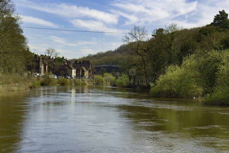 Ironbridge mit Fluss Severn Shropshire stockbild