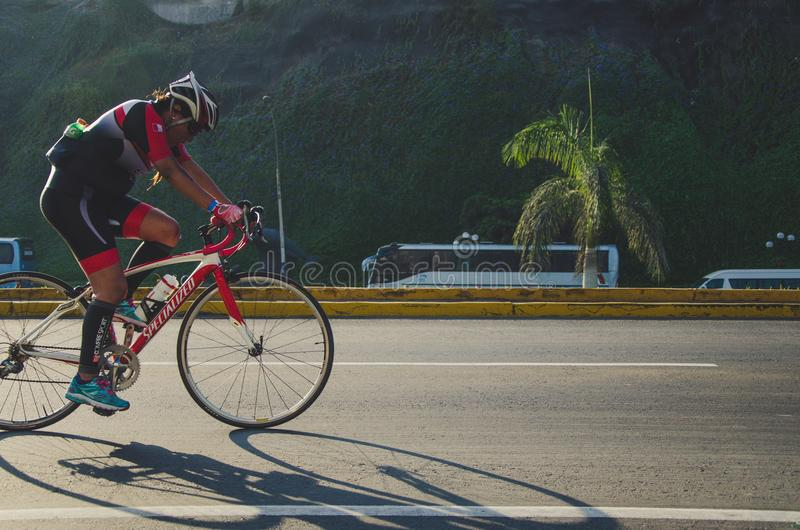 秘魯在首都利馬舉辦大型自行車騎行活動 得到市民熱烈響應
