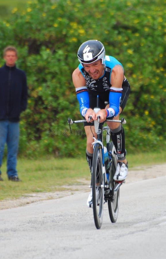 Ironman 2012 ciclos del triathlete imagen de archivo libre de regalías