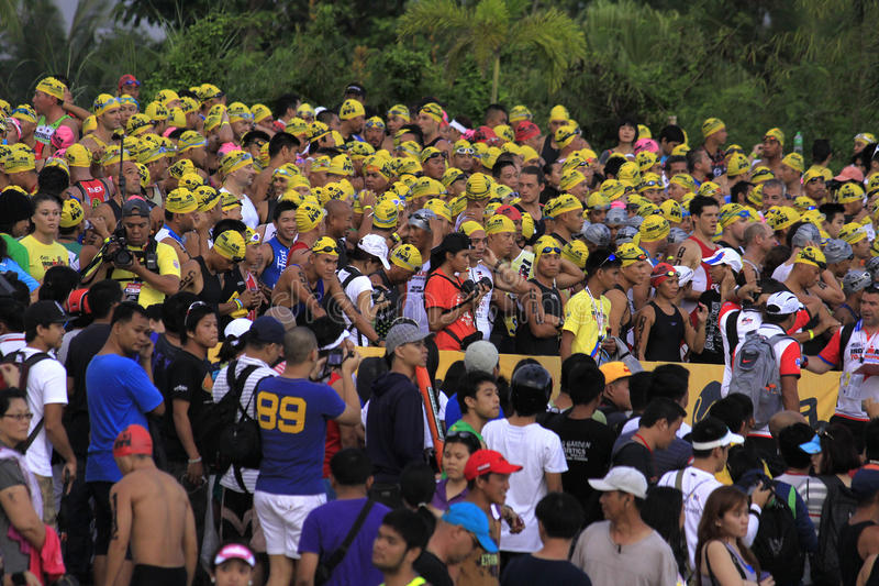 Ironman Filipinas que nadam o começo da raça imagens de stock