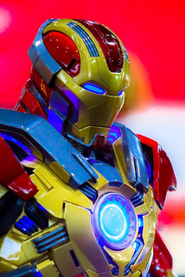 Ironman o l'uomo del ferro, si meraviglia gli eroi eccellenti corrisponde a promuove il film a Bangkok, Tailandia immagine stock libera da diritti