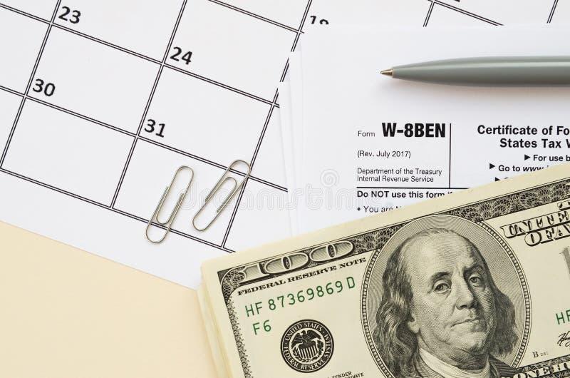 IRS-formulier W-8BEN Certificaat van de buitenlandse status van uiteindelijk gerechtigde voor belastinginhouding en -rapportage d royalty-vrije stock foto