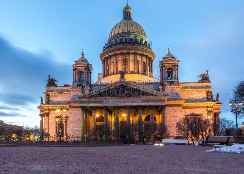 Isaak Cathedral em St Petersburg imagem de stock