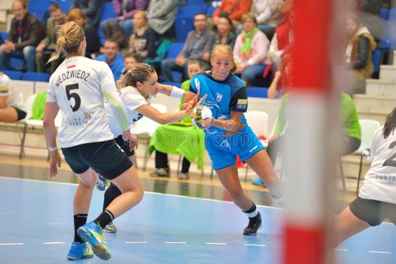 Isabelle Gullden, speler van de aanvallen van CSM Boekarest tijdens de gelijke met MKS Selgros Lublin royalty-vrije stock foto's
