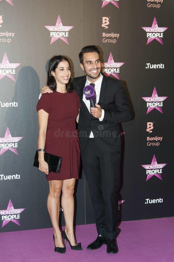 Isabelle Mellinger y Mickael Dos Santos de Non Stop People Francia imagens de stock royalty free