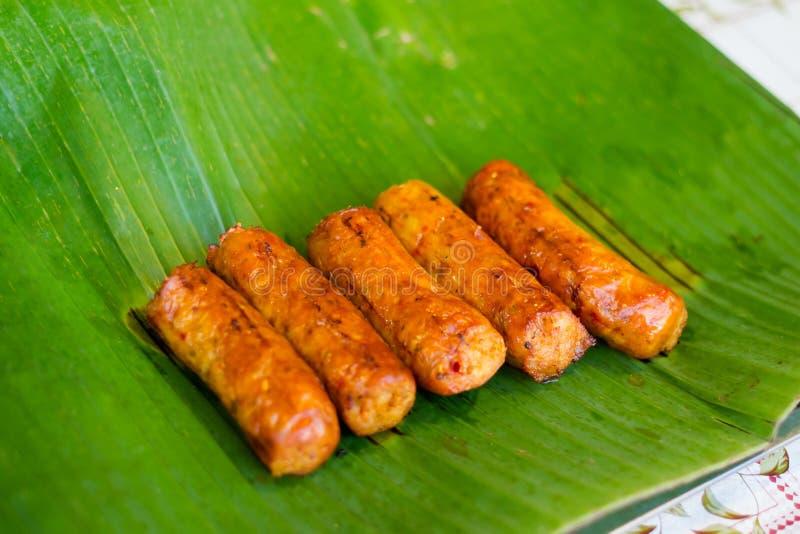Isan Wurst des thailändischen Kräuterschweinefleisch lizenzfreie stockbilder