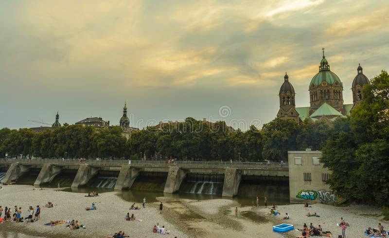 Isar flod, Munich, Tyskland royaltyfri bild