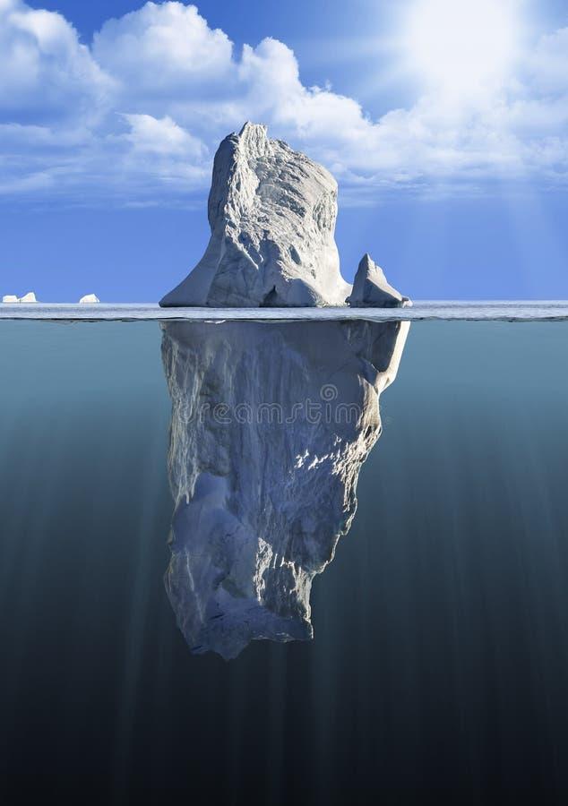 Isberg med ovannämnd och undervattens- sikt royaltyfri foto