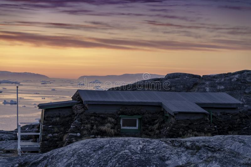 Isberg på det arktiska havet i Grönland fotografering för bildbyråer
