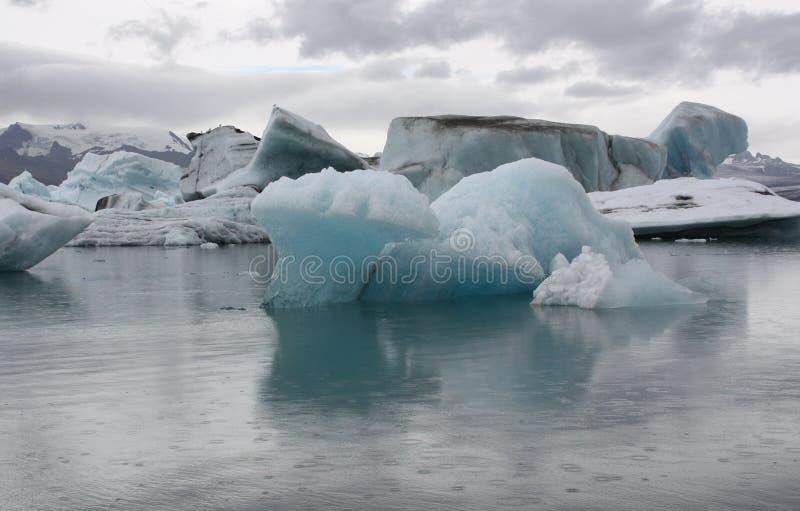 Isberg på glaciärlagun Jokulsarlon arkivbilder