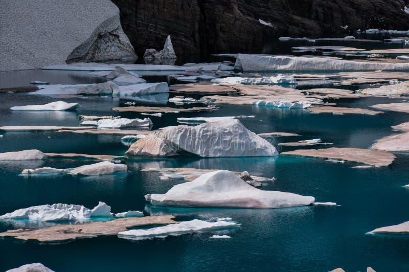 Isbergslinga i glaciärnationalparken, Montana, USA arkivfoton