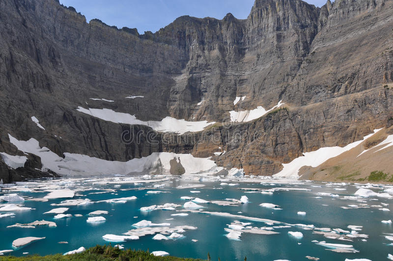 Isbergslinga i glaciärnationalparken, Montana, USA fotografering för bildbyråer