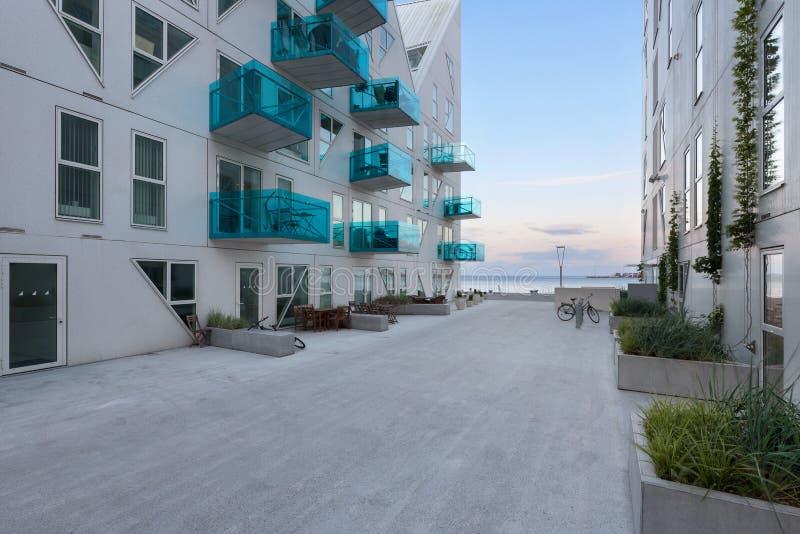 从Isbjerget奥尔胡斯,居民住房的外部的看法 免版税库存图片