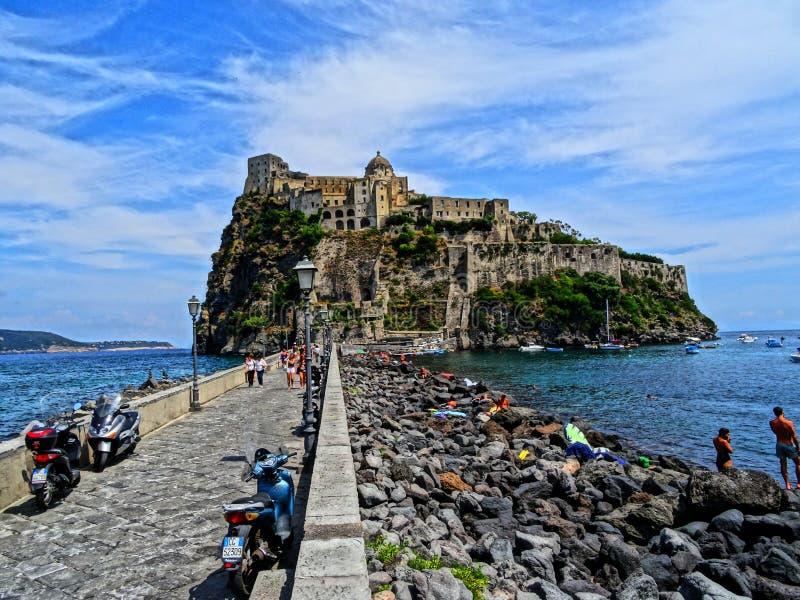 Ischia Castello Aragonese lizenzfreie stockfotografie