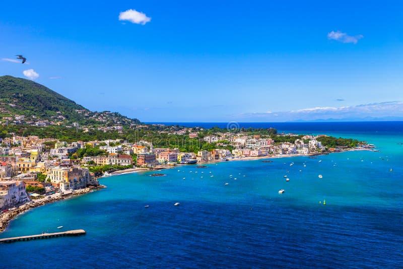 Ischia wyspa - Włoscy wakacje zdjęcia royalty free