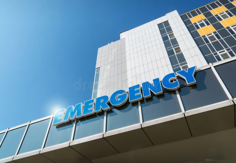Iscrizione sulla costruzione dell'ospedale di emergenza fotografie stock libere da diritti
