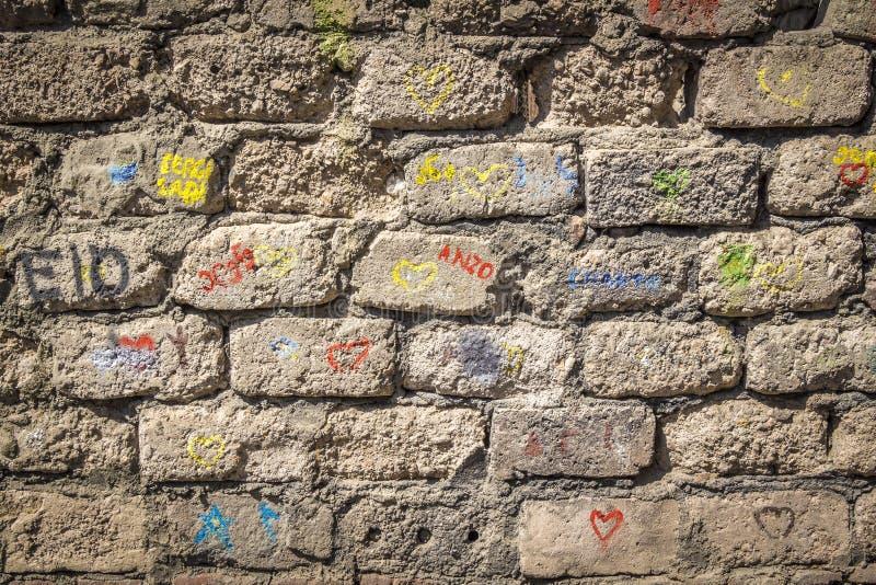 Iscrizioni sulla parete fotografie stock libere da diritti