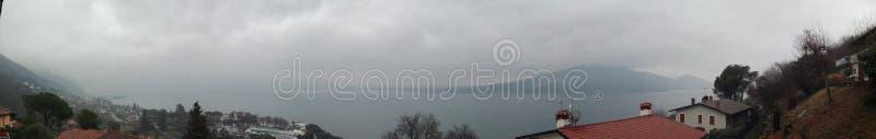 Download Iseo jeziora widok zdjęcie stock. Obraz złożonej z ochy - 106911586