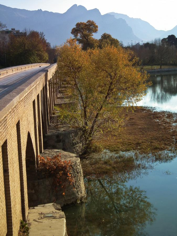 Isfahan, alte Brücke lizenzfreie stockfotos