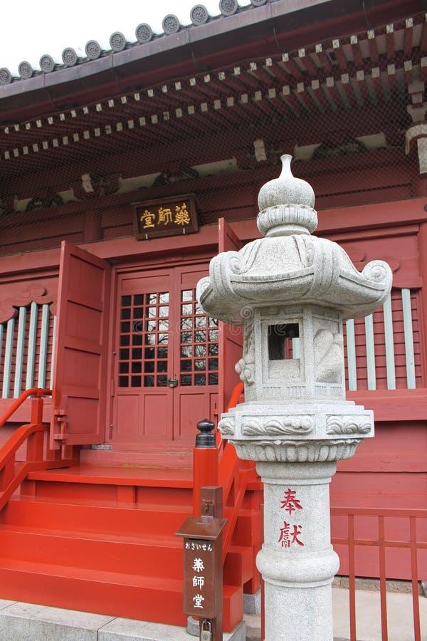 Ishi-doro和寺庙在浅草 免版税库存照片