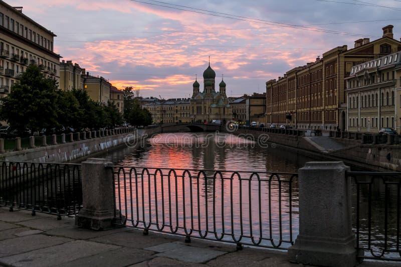 Isidore Church saint à St Petersburg au coucher du soleil image libre de droits