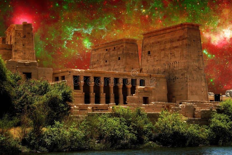 Isis świątynia i Galaktycznego centrum region (elementy ten wizerunek f obraz stock