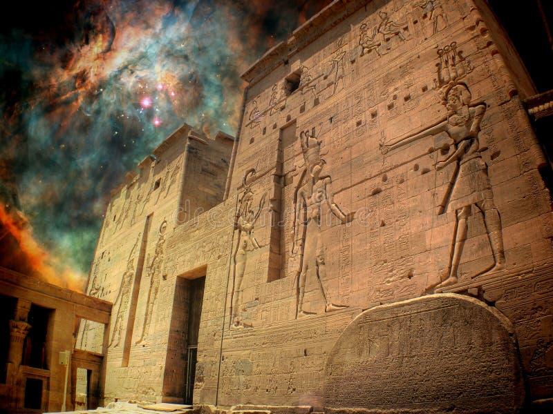 Isis Temple en Orion Nebula (Elementen van deze beeld geleverde B royalty-vrije stock foto's