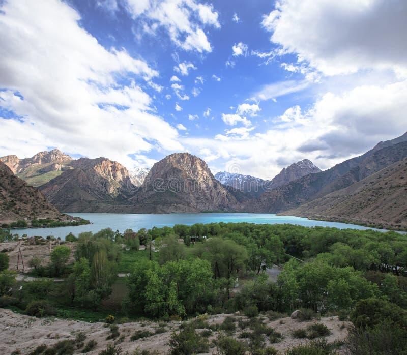 Iskadermeer in Fann-bergen, Tadzjikistan royalty-vrije stock foto