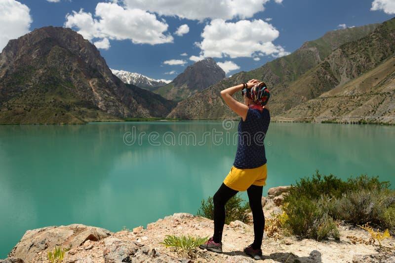 Iskander Kula błękitny halny jezioro w fan górach, Tajikistan zdjęcia royalty free