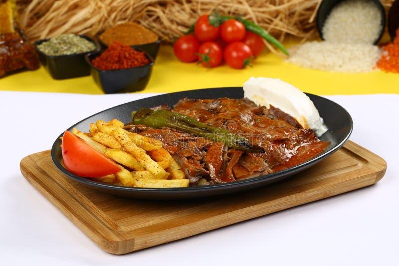 Iskender/alimento tradicional turco imagem de stock