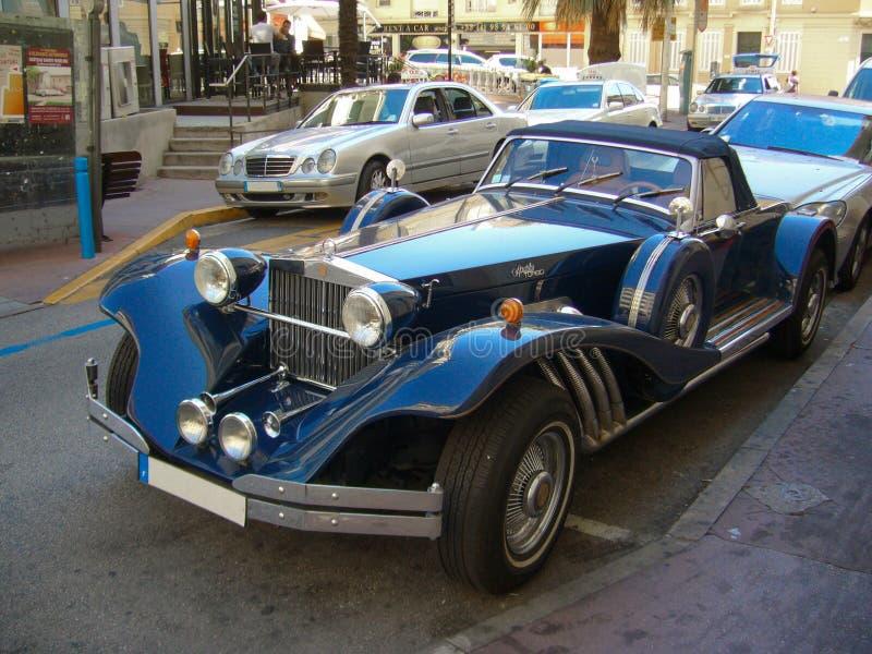 Iskrzy d& x27; elegancja Rzadki Neo Klasyczny samochód lubi Duesenberg Turbo obrazy stock